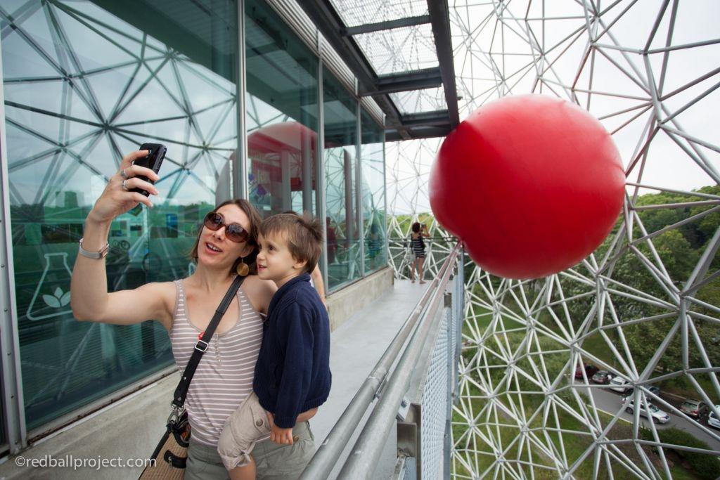 RedBall in Montreal for Les Escales Improbables de Montréal